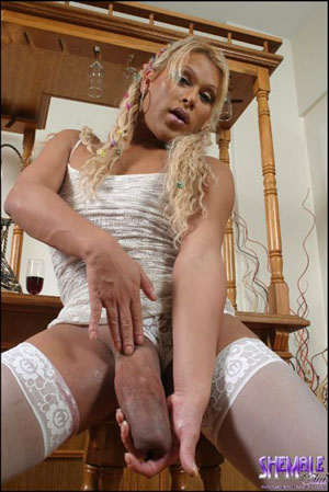 Uk personals fisting insertion lacy